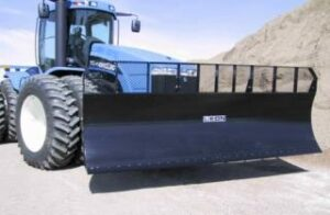 Leon blade attached to 4-wheel tractor